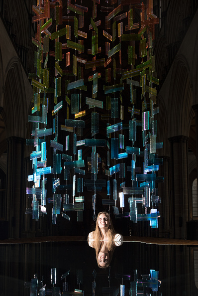 Art And Craft「Salisbury Cathedral Hosts 'Reflection: Glass Exhibition'」:写真・画像(10)[壁紙.com]