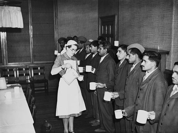 Indian Subcontinent Ethnicity「Indian Servicemen In Hospital」:写真・画像(13)[壁紙.com]