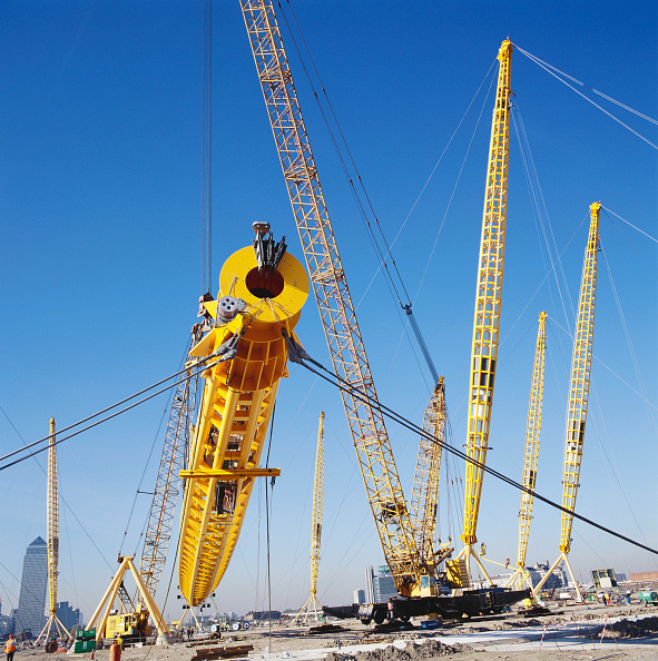 Support「Positioning of roof supports during construction of Millennium Dome, Greenwich, London, UK」:写真・画像(9)[壁紙.com]