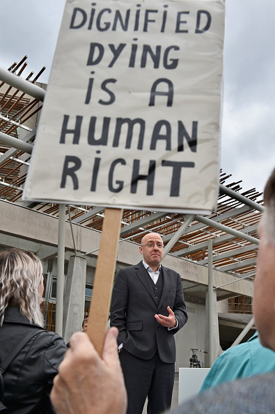 Legislation「Assisted Suicide Bill Supporters Gather Ahead Of Scottish Debate」:写真・画像(14)[壁紙.com]