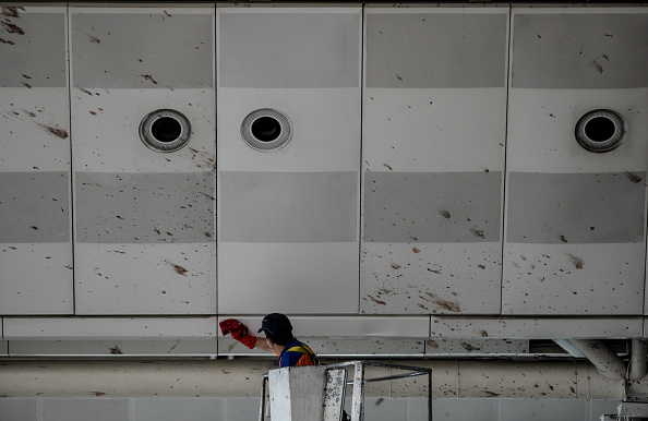 Splashing「Many Killed In Suicide Bomb Attack On Ataturk International Airport In Istanbul」:写真・画像(16)[壁紙.com]