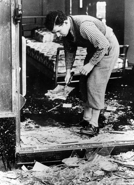 Sweeping「Broken Glass」:写真・画像(19)[壁紙.com]