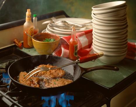 Tabasco Sauce「Spicy food on frying pan」:スマホ壁紙(10)