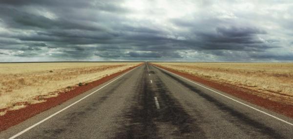 Tar「Long straight Road on Australia's Stuart Highway」:スマホ壁紙(14)