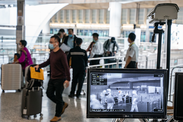 Hong Kong International Airport「Concern In Hong Kong As The Wuhan Covid-19 Spreads」:写真・画像(14)[壁紙.com]