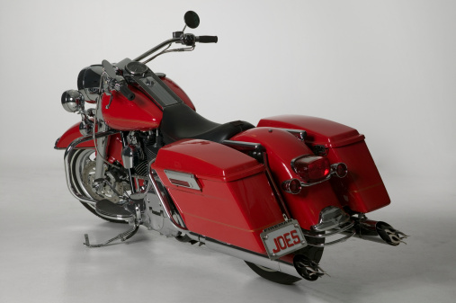 Motorcycle「Red touring motorcycle parked in studio」:スマホ壁紙(6)