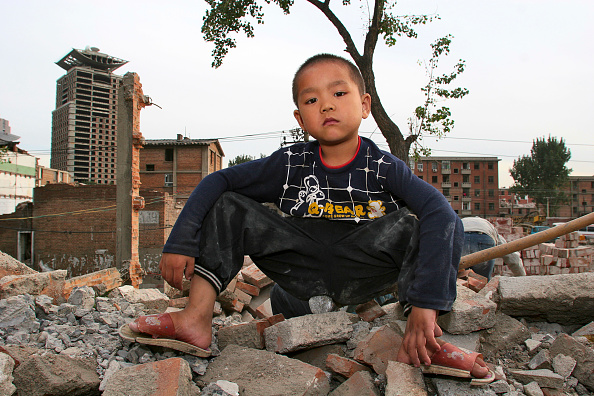 Vitality「The child of migrant worker parents on a construction site in central Beijing.」:写真・画像(4)[壁紙.com]