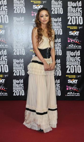 安室奈美恵「World Music Awards 2010 - Arrivals」:写真・画像(12)[壁紙.com]