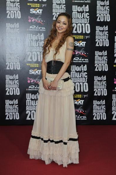 安室奈美恵「World Music Awards 2010 - Arrivals」:写真・画像(8)[壁紙.com]
