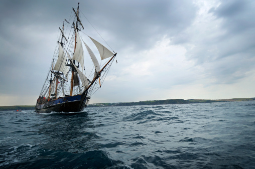 Ship「Tall ship sailing off the Cornwall Coast」:スマホ壁紙(11)