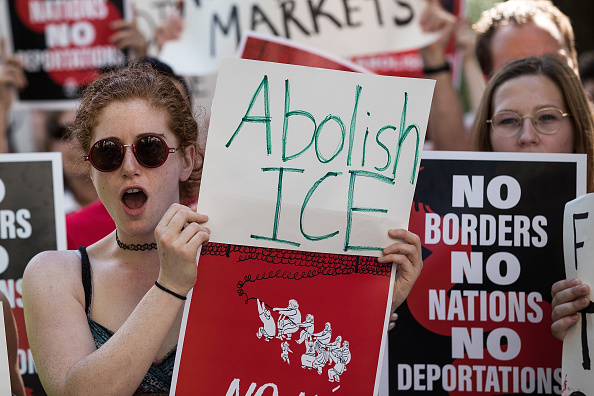 Ice「Activists Demonstrate Against President Trump's Immigration Enforcement Strategies」:写真・画像(18)[壁紙.com]