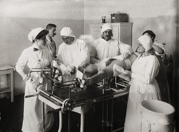 Table「Operating room around 1910」:写真・画像(17)[壁紙.com]