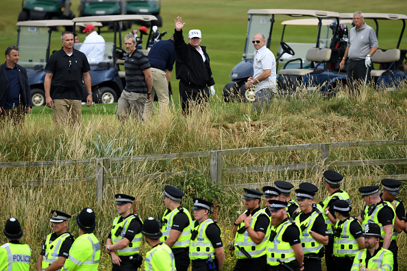 Turnberry「Scotland Protests At The Visit Of United States President Donald Trump」:写真・画像(13)[壁紙.com]