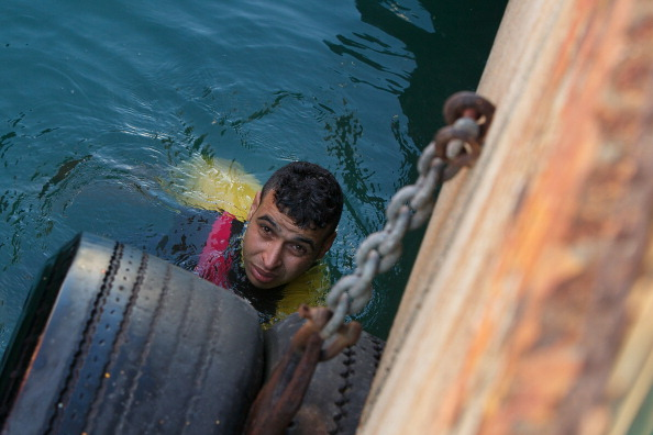 Passenger Craft「After A Treacherous Journey To Spain By Boat Immigrants Face An Uncertain Future」:写真・画像(14)[壁紙.com]