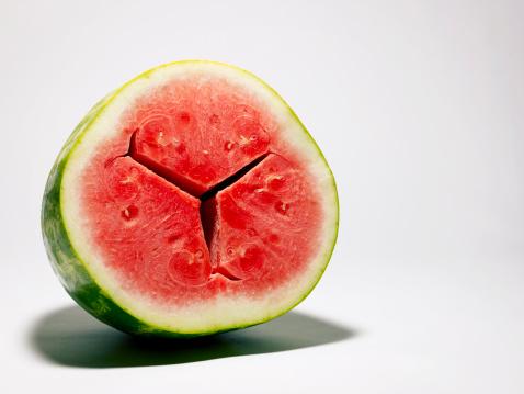スイカ「Watermelon half.」:スマホ壁紙(1)