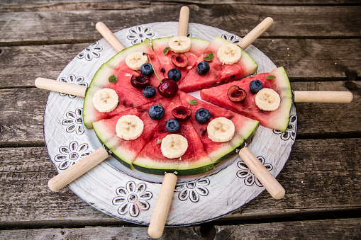 スイカ「Watermelon pizza, banana, blueberries, cherries, mint」:スマホ壁紙(0)