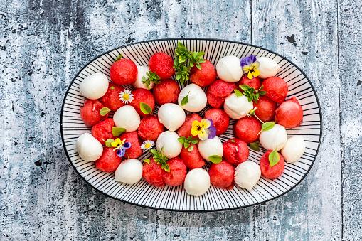 スイカ「Watermelon salad with mozzarella and basil」:スマホ壁紙(3)