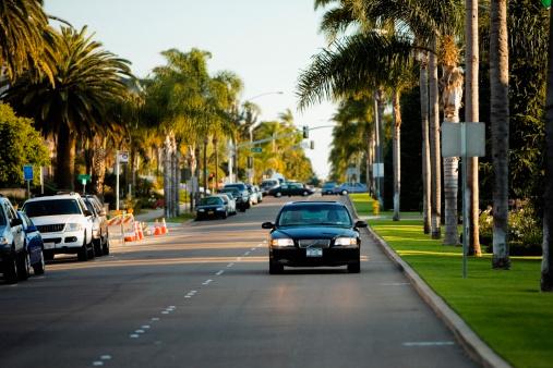 Boulevard「Cars on a boulevard, San Diego, California, USA」:スマホ壁紙(8)