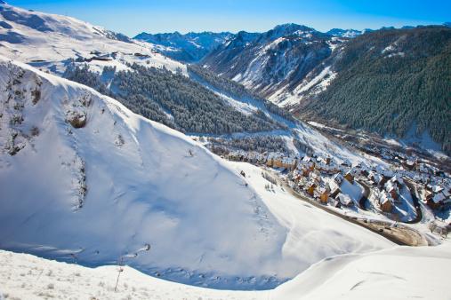Ski Resort「Snowy landscape in Vall de Aran or Aran Valley.」:スマホ壁紙(15)