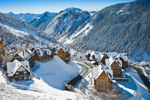 Ski Resort「Snowy landscape in Vall de Aran or Aran Valley.」:スマホ壁紙(14)