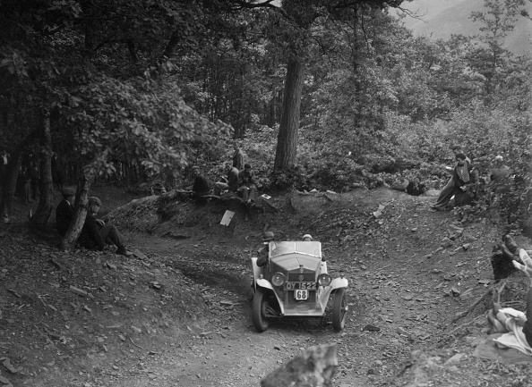 Country Road「Fiat Balilla taking part in a motoring trial, c1930s」:写真・画像(14)[壁紙.com]