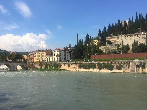 アディジェ川「Cityscape, Verona, Veneto, Italy」:スマホ壁紙(1)