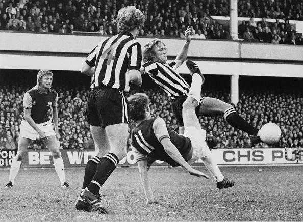 1975年「West Ham United vs Newcastle United」:写真・画像(7)[壁紙.com]