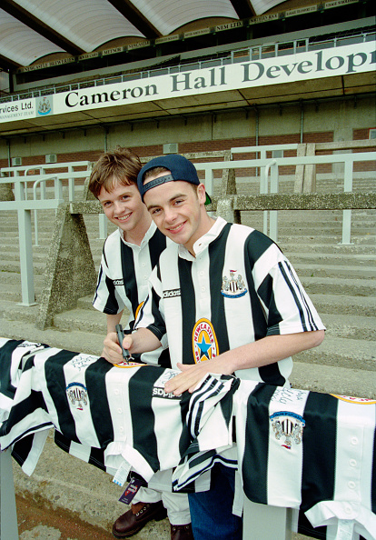 Launch Event「Declan Donnelly and Anthony McPartlin Newcastle United Kit Launch 1995」:写真・画像(12)[壁紙.com]