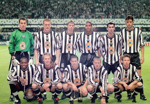 In A Row「Newcastle United v Barcelona UEFA Champions League 1997」:写真・画像(9)[壁紙.com]