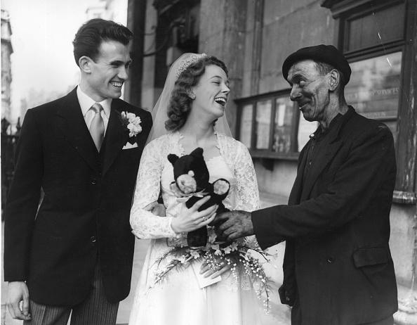 Monty Fresco「Congratulating Couple」:写真・画像(6)[壁紙.com]