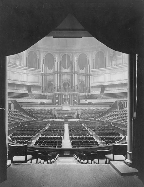 Symmetry「Albert Hall」:写真・画像(3)[壁紙.com]