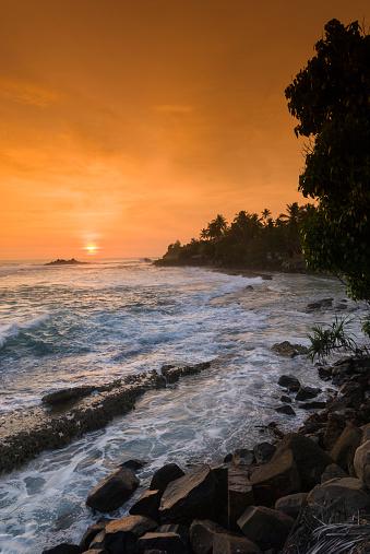 Sri Lanka「Unawatuna Beach at sunset」:スマホ壁紙(1)