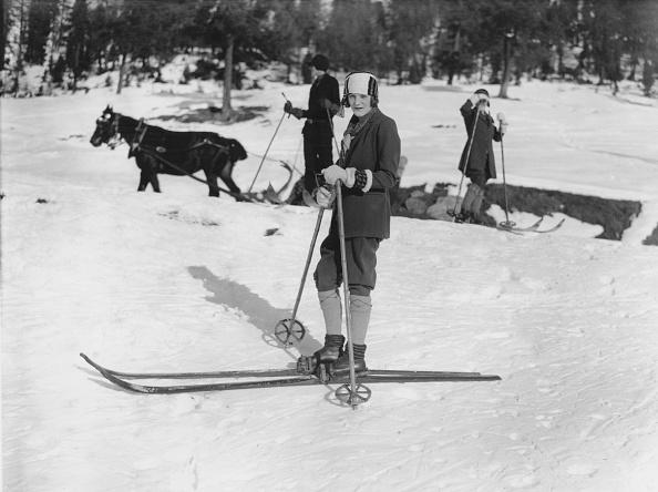 Ski Pole「Skiing At St Moritz」:写真・画像(14)[壁紙.com]