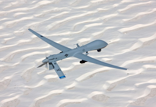 Animals Hunting「An MQ-1 Predator flies a training mission over the White Sands National Monument in Southern New Mexico.」:スマホ壁紙(19)