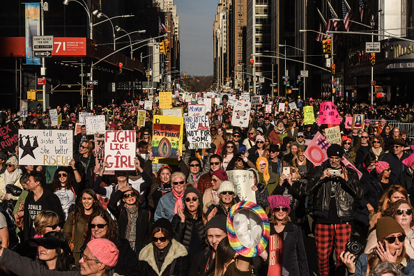Crowd「Huge Crowds Rally At Women's Marches Across The U.S.」:写真・画像(1)[壁紙.com]