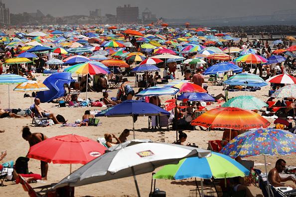 Beach「Northeast Experiences First Heat Wave Of The Summer」:写真・画像(8)[壁紙.com]