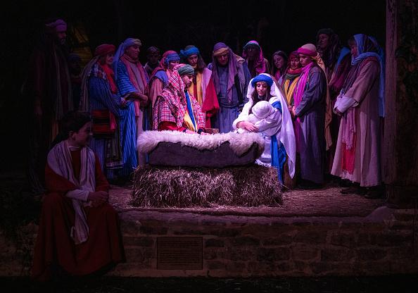 Barn「Actors Perform In The Wintershall Nativity Dress Rehearsal」:写真・画像(4)[壁紙.com]