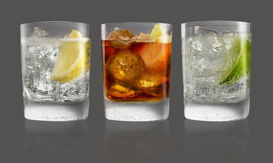 Gray Background「Group tumbler drinks」:スマホ壁紙(5)