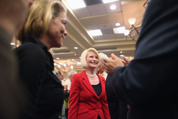 Naples - Florida「GOP Presidential Hopeful Newt Gingrich Holds Town Hall In Southern Florida」:写真・画像(16)[壁紙.com]