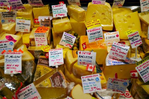 Market Stall「Cheeses on delicatessen market stall」:スマホ壁紙(14)