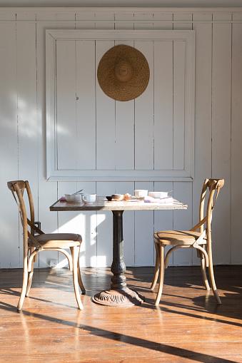 Shadow「Set table in the morning for breakfast」:スマホ壁紙(9)