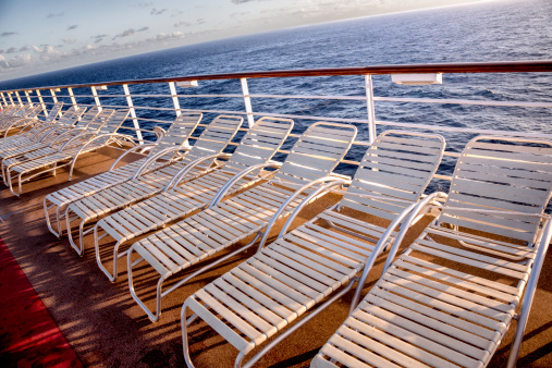Deck Chair「Deck Chairs on a Ship」:スマホ壁紙(1)
