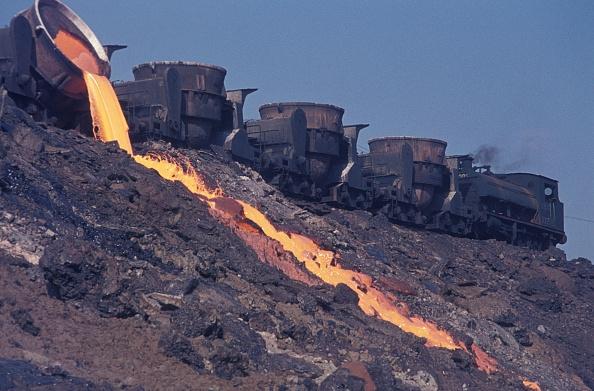 T 「Slag tipping at Turkey's Karabuk steel works with a Hawthorn Leslie 0-6-0T. August 1976.」:写真・画像(8)[壁紙.com]