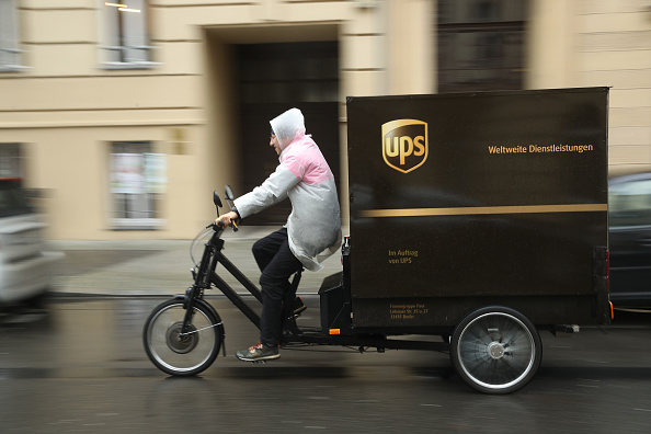 Tricycle「UPS Uses Cyclists To Expand Delivery Services」:写真・画像(2)[壁紙.com]