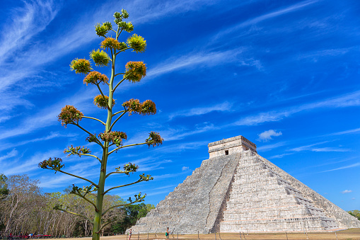 cloud「Mayan pyramid of Kukulcan in Chichen Itza, Mexico」:スマホ壁紙(10)