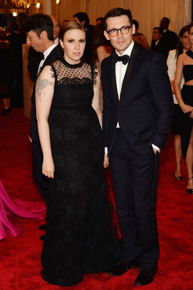 """Scalloped - Pattern「""""PUNK: Chaos To Couture"""" Costume Institute Gala」:写真・画像(1)[壁紙.com]"""