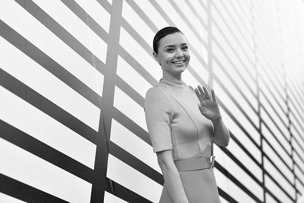 Miranda Kerr「Louis Vuitton : Front Row  - Paris Fashion Week Womenswear Spring/Summer 2017」:写真・画像(12)[壁紙.com]
