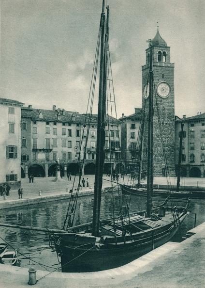 20世紀「Harbour and Torre Apponale, Riva del Garda, Italy」:写真・画像(0)[壁紙.com]