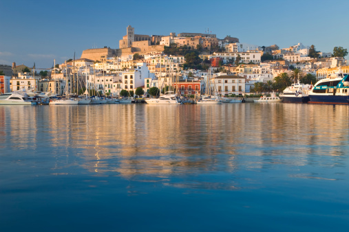 Sailboat「Harbour and old town, Eivissa or Ibiza Town, Ibiza, Balearic Islands, Spain」:スマホ壁紙(17)