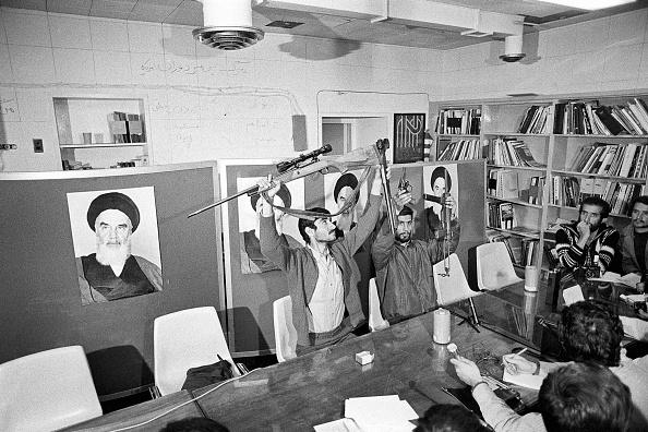 人質「Iran Hostage Crisis」:写真・画像(6)[壁紙.com]